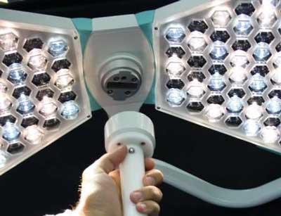 хирургический светильник с видеоконнектором для HD камеры